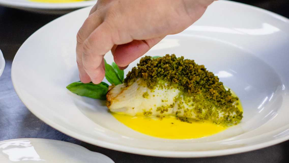 dressement assiette poisson restaurant