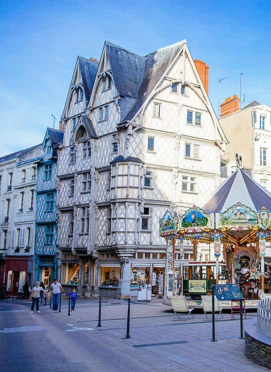 centre historique Angers maison colombages